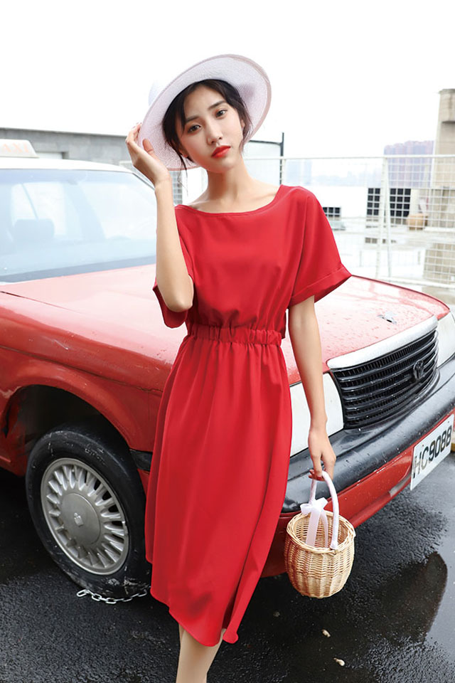 夏季新款收腰显瘦洋气减龄气质连衣裙女韩版百搭纯色中长A字裙子