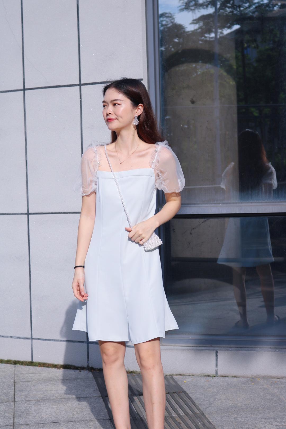 很气质的连衣裙,是名媛气质风又蛮小清新的我好喜欢,袖子网纱透视的特别好看,每个细节都做到极致#薄荷蓝,清凉buff在线加成#