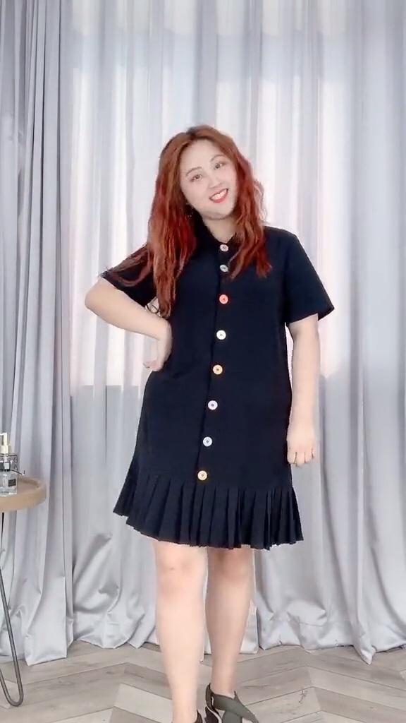#7月穿什么?新裙裙已备好!#  特效大头  成功把160斤的我衬托成90斤的模样 喜欢吗 点击加关注哦