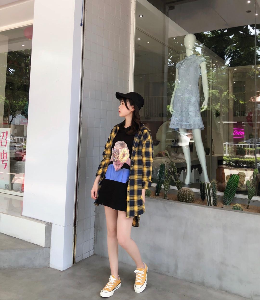 #日常时髦经:舒服最重要!#私服分享~韩国很火的甜甜圈t恤,到手迫不及待想分享出来,160 86斤小个子穿1码正好合身,盖过pp,面料质量也很棒不会软塌塌的,性价比超高的潮牌t~