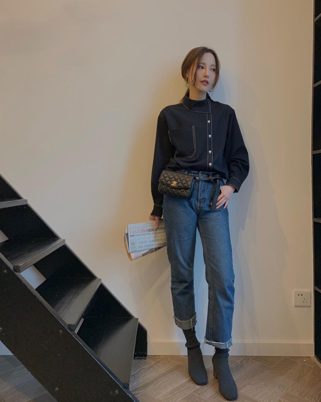 明线设计的衬衫 非常体现质感的厚度 材质亲肤 鞋侧边的门襟很好看 显得非常气质干练 #今日份遮粗腿穿搭!#