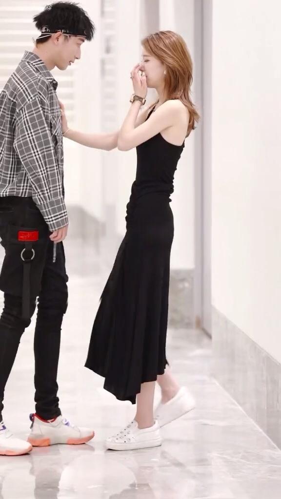 小姐姐喜欢锡纸烫不喜欢短袖健身男对吗#夏季凉凉衫,显瘦又清凉~#