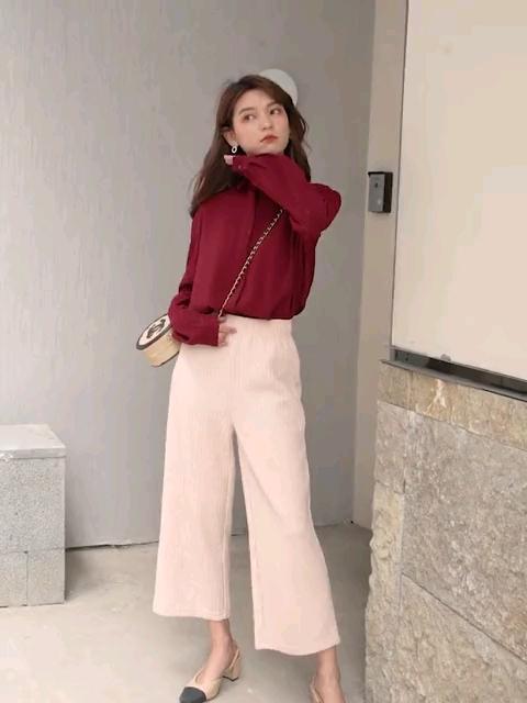 七格格韩版九分裤💘 直筒显瘦很西施腿型哦😀  而且和百搭,可搭配开衫,卫衣,西装外套等等💘#网红风,教你一套出街!#