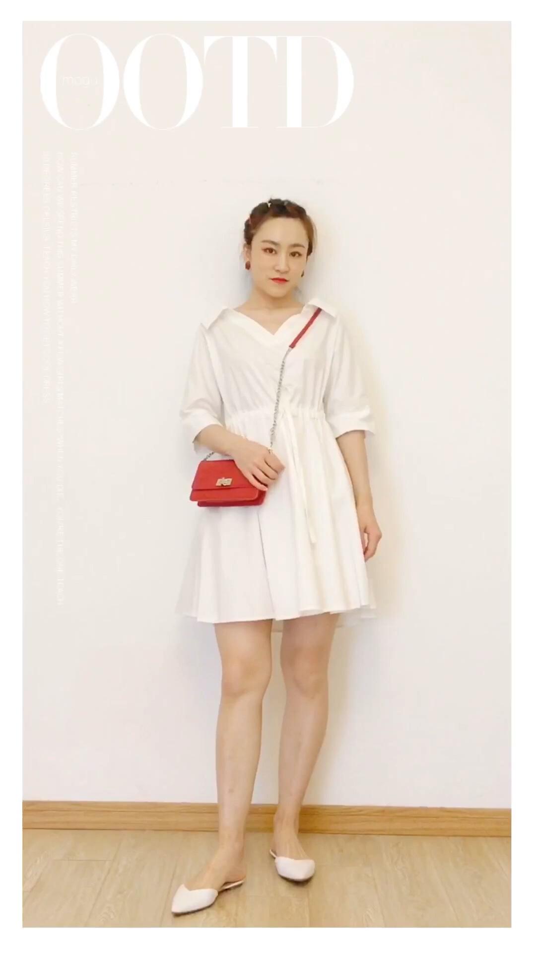 #开学季,校园女神穿搭攻略#  这一件一字肩法式少女衬衫裙,也是梨形mm适用款!🥳腰部抽绳设计,小蛮腰立现。传说中的初恋裙就是这样的吧~哈哈🥰