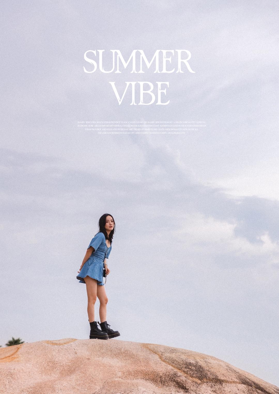 #入秋最靓!韩系小姐姐风# 沿着海岸,迎着微风,岩石上眺望,树荫下乘凉🌊 所有有关夏天的味道都能在这一刻被感受、被记忆和收藏 偶尔闲暇时光放松一下,不用考虑得到什么和去证明什么 💓这样很好哦~ LOVE - SUMMER VIBE 
