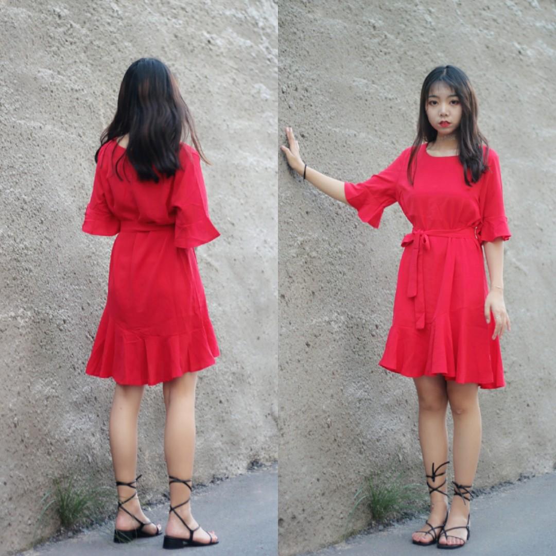 #长袖连衣裙,换季最好命# 红色连衣裙简单好看 收腰设计简约精致 做最美女孩纸 出门一步到位