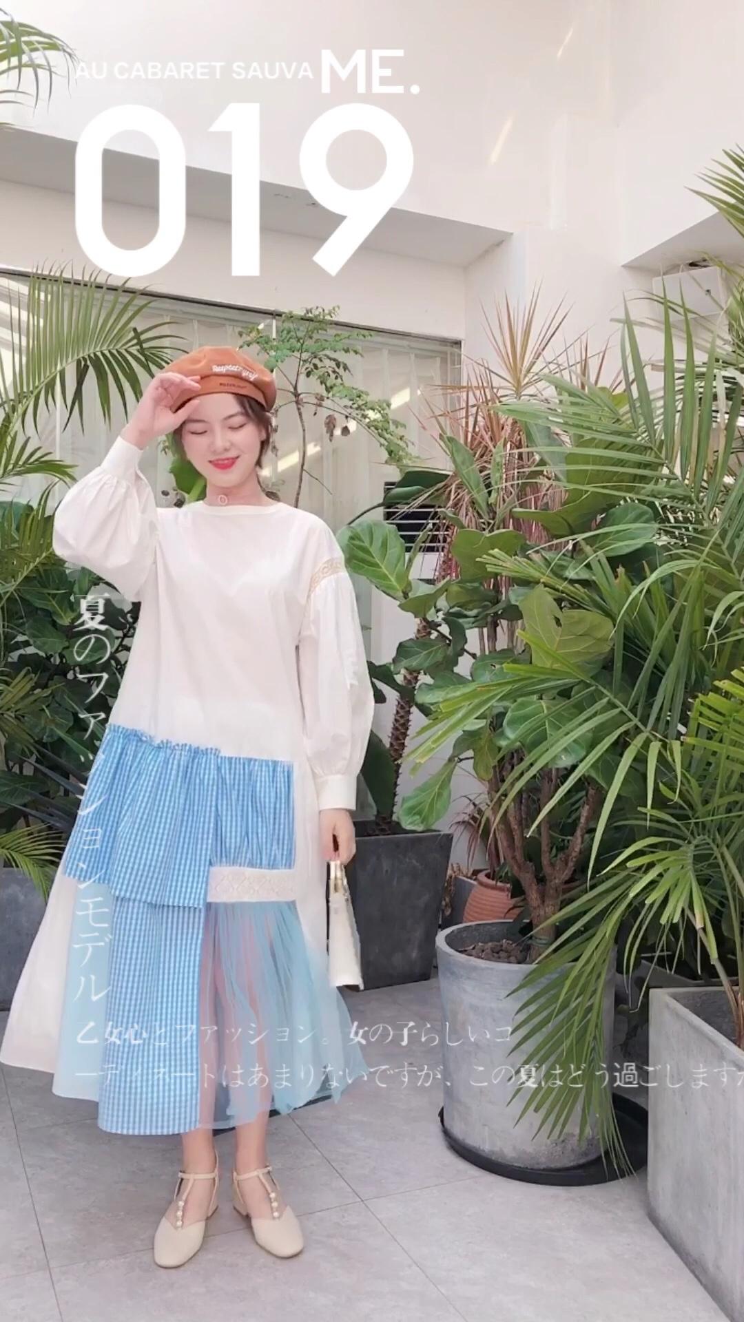 #换季闹衣荒,剁手要趁早#  入秋穿搭看过来啦~ 身材有点缺点女孩子很适合的一条连衣裙 很好的修饰了身材哟~