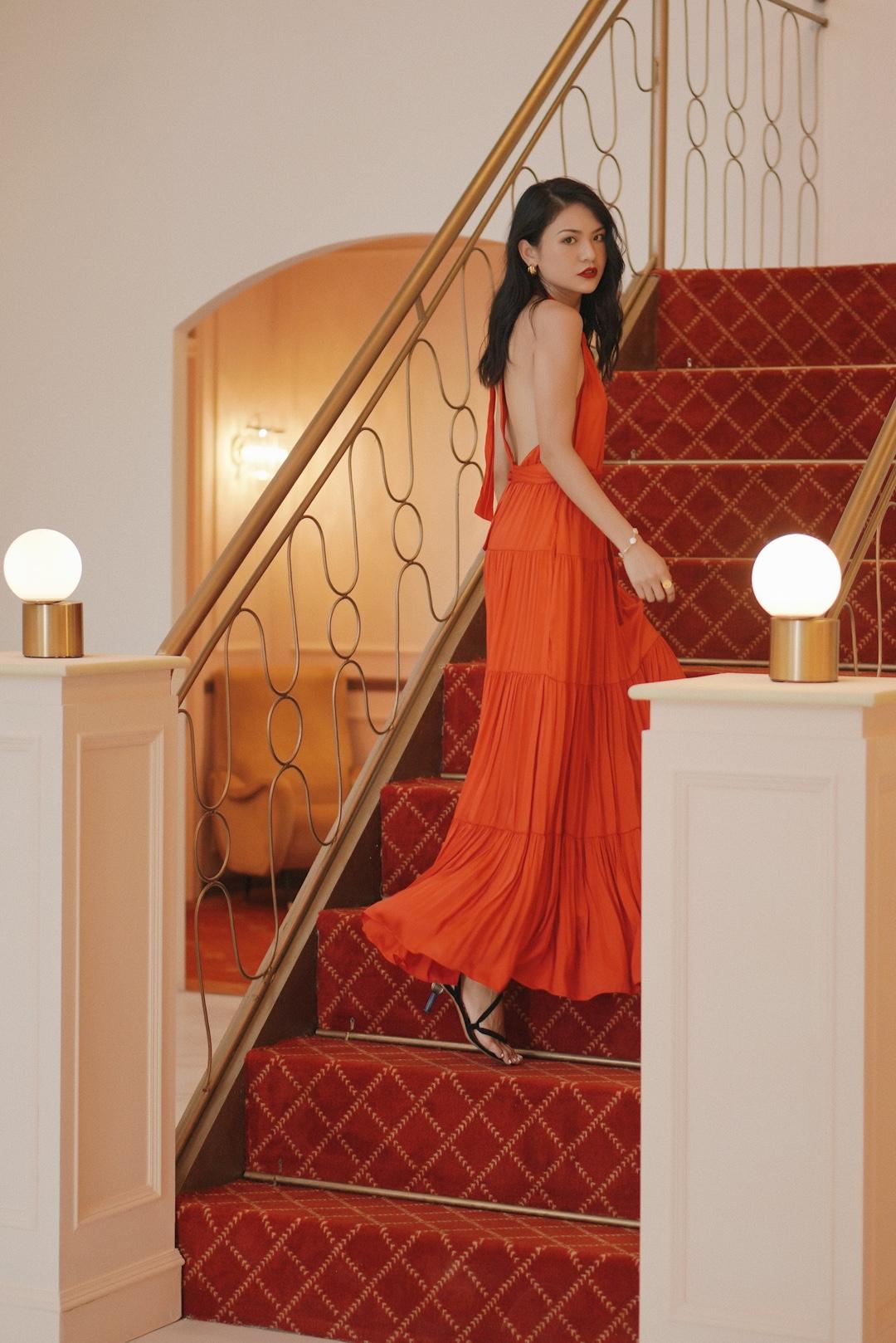自带故事感电影大片 连衣裙:ZARA 鞋子:Jacquemus #连衣裙#