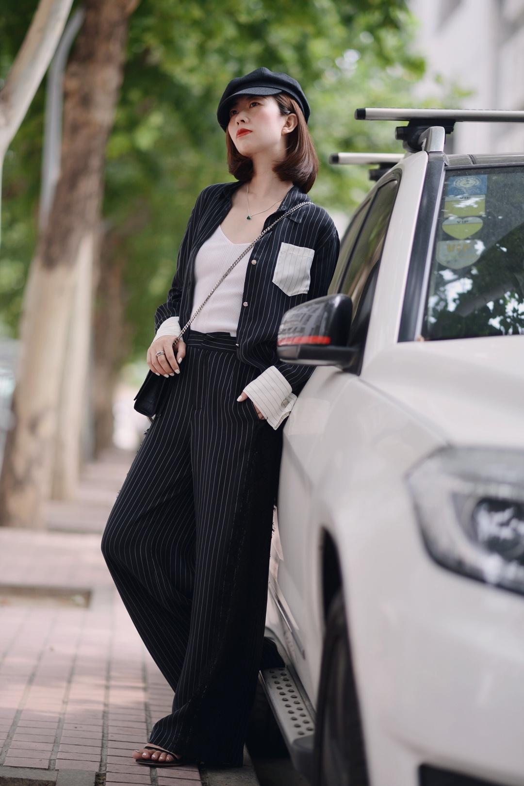 条纹套装,显瘦又舒适,早秋必备时髦单品~ #秋装上新穿搭打卡#