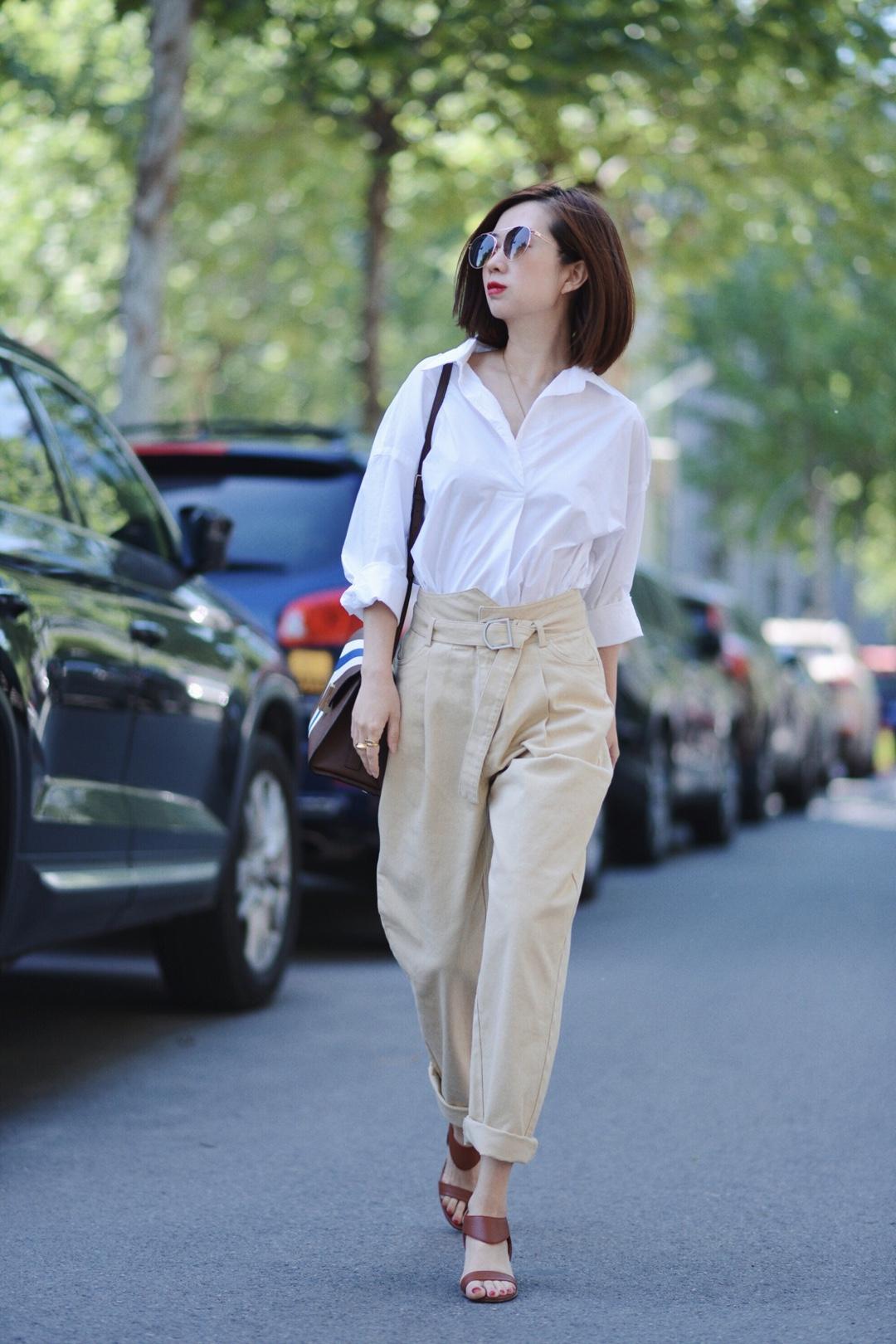 沙漠黄,让白衬衫有了秋的味道~ #秋装上新穿搭打卡#