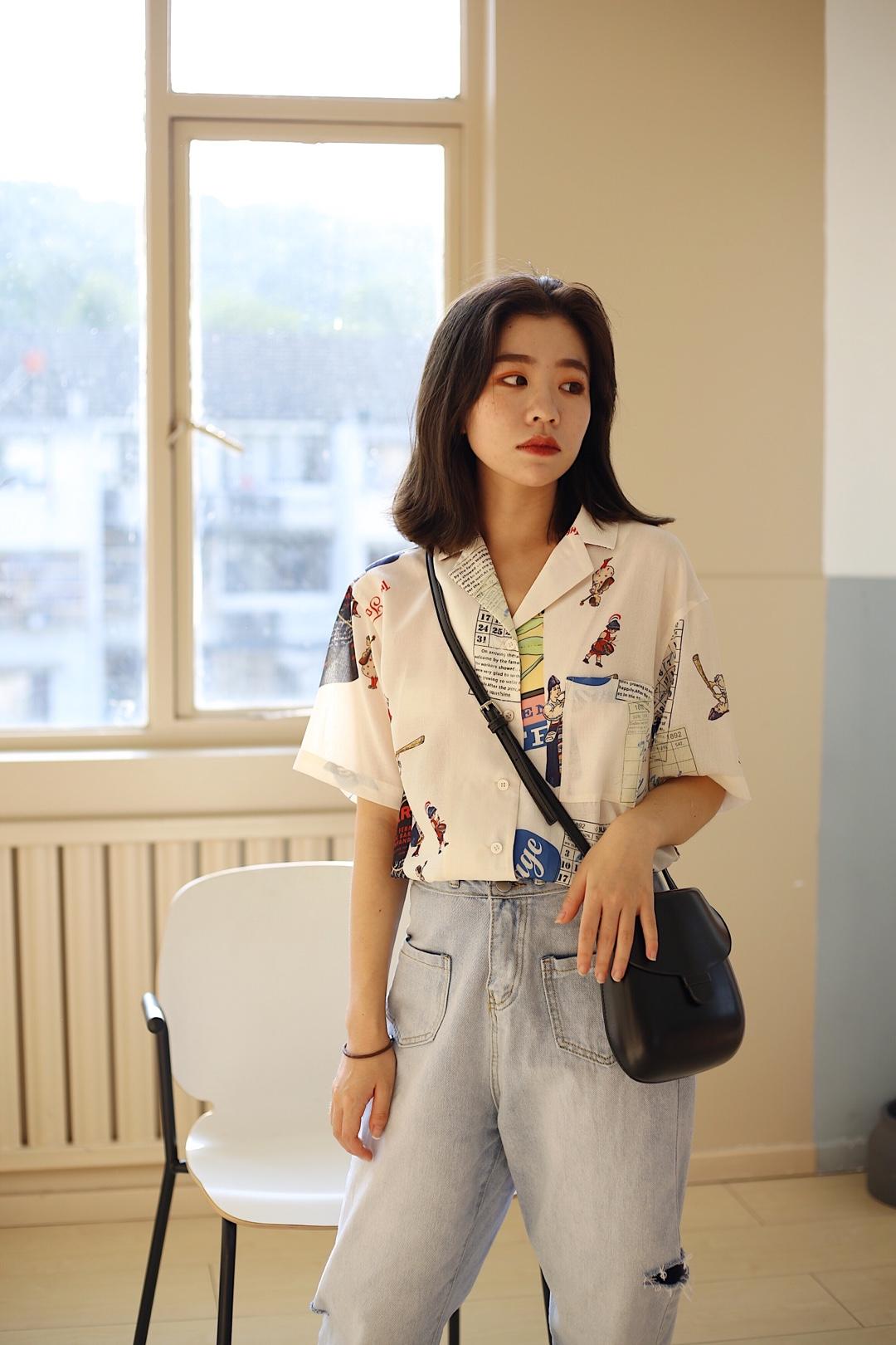 港风衬衫搭配 超级简单的一套 配色超舒服 很适合日常出行#朋友圈最受欢迎女孩穿搭#