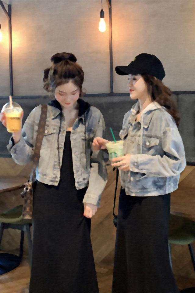 洋气时尚拼接连帽短款牛仔外套女装秋装新款韩版宽松显瘦百搭上衣