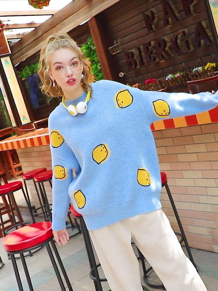 #冷空气到,外穿毛衣暖心上线#面料敲级柔软,贴身穿都非常OK!暖暖的软奶蓝,敲级显白。宽松版型,包容各种身材哟!