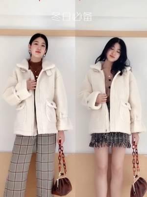 #双十一热销榜,这件第一名!#  还有什么比冬天和羊羔绒外套更配的呢,超级超级温暖的外套鸭,各种保暖防风,好搭配,穿上又暖又美,爱啦,双十一不要错过呦~