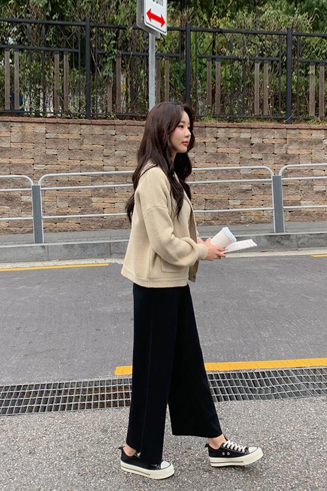 #戳这里!冬季最显瘦的裤子#  블랙 니트 통바지 날씬하고 따뜻해요