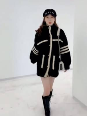 好喜欢冬天啊,可以穿着自己最喜欢的外套,去看期待了很久的雪❄️#千万不要让男友帮你拆快递!#