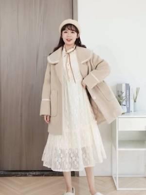 #微胖女生请就位,显瘦选这套#  这是什么神仙连衣裙?人手必备款!蕾丝连衣裙怎么穿都行,单穿或者搭配大衣外套都是美美哒呢!还遮肉显瘦喔