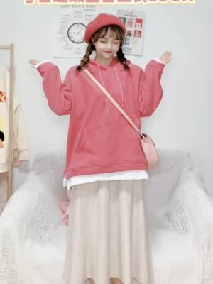 #我最成功的11.11战利品#这款玫红色的假两件卫衣哪个女生还没有拥有呢!!内里加绒冬天也不会冷哦!假两件的设计超级特别,不用担心出门撞衫哦~宽松版型也更加显瘦哦(>^ω^<)