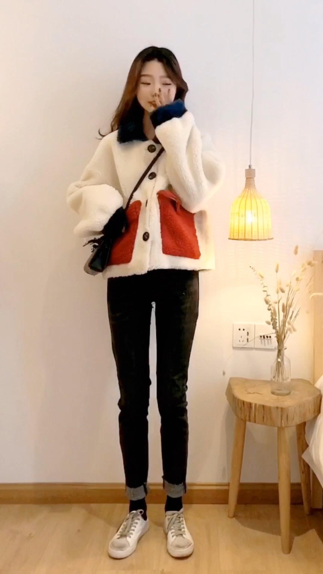 你确定你的冬装外套都是新款吗?zui新的都在这里。 #短大衣才是今年流行款#