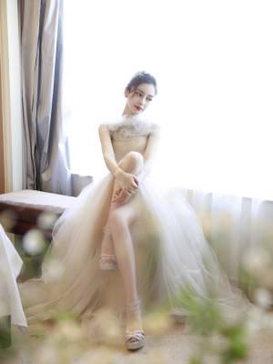 冬天的你也可以拥有纱裙,雏菊,丸子头💛