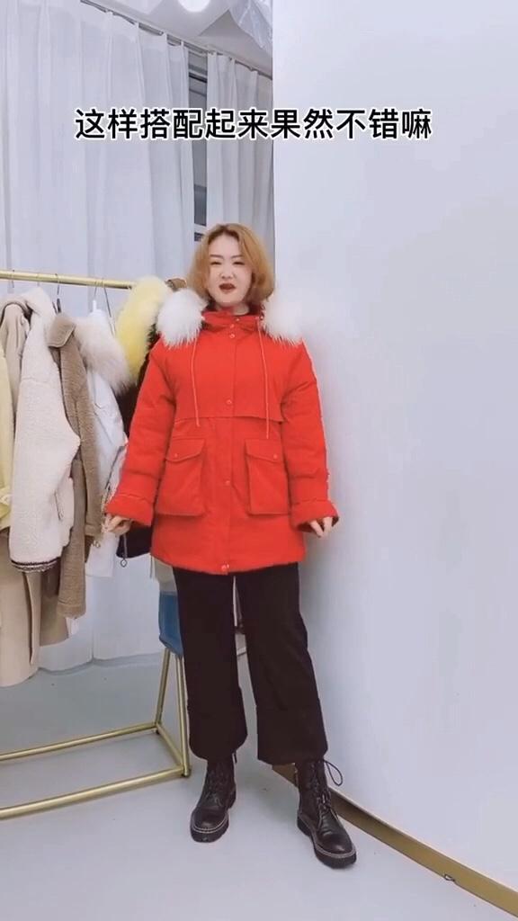#稳赢!年底聚会战袍推荐#  快过年了!红色棉服准备起来……搭配什么都是百搭款喔~你们爱了吗?反正我爱了喔……