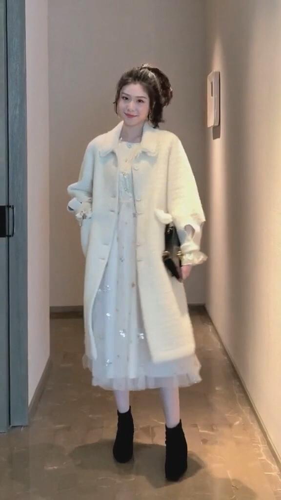 秋冬衣服选的好,男友下班回家早#厚外套+裙子,我嗑过最甜的cp!#