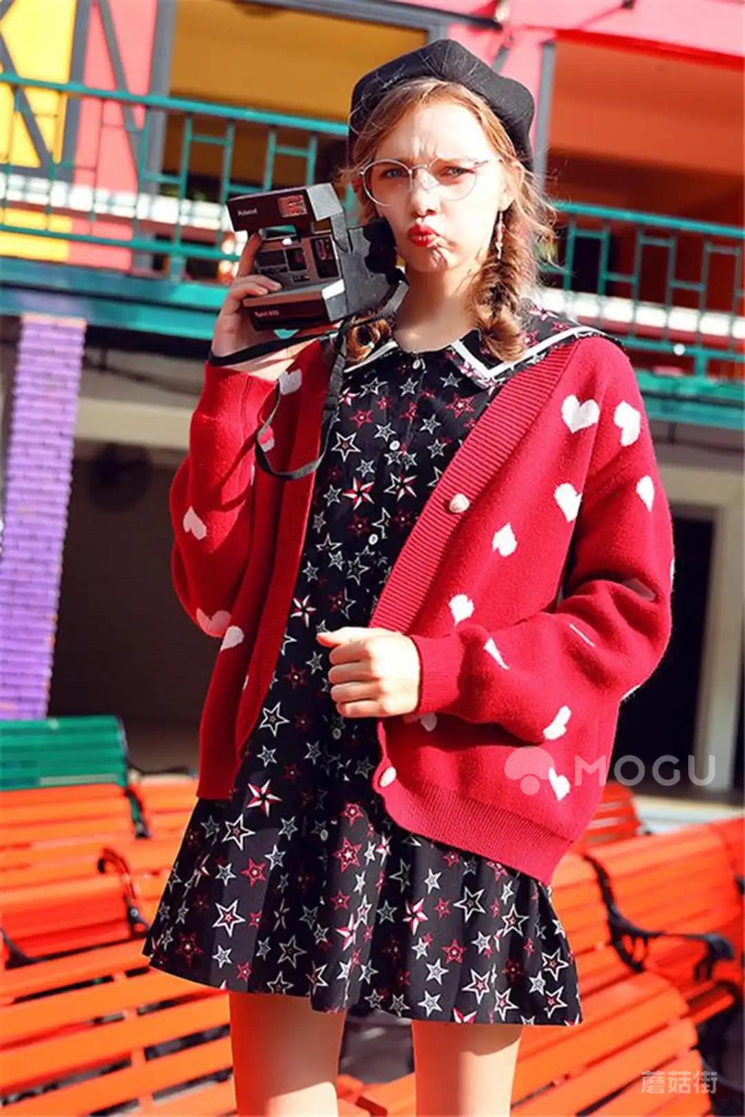 今日分享:红色慵懒风毛衣外套韩版宽松针织衫#衣柜里必不可少的单品#