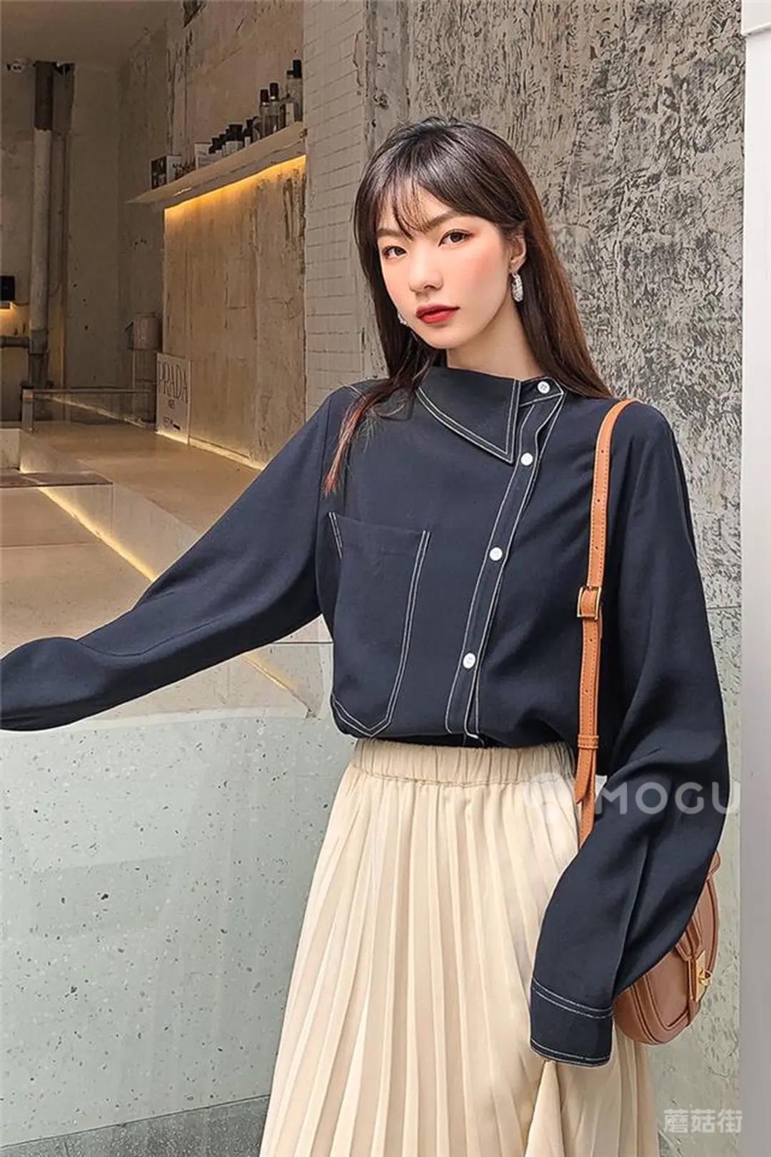 这个剪裁很漂亮啊~很有设计感~就喜欢这种小众的衣服~#什么值得买#
