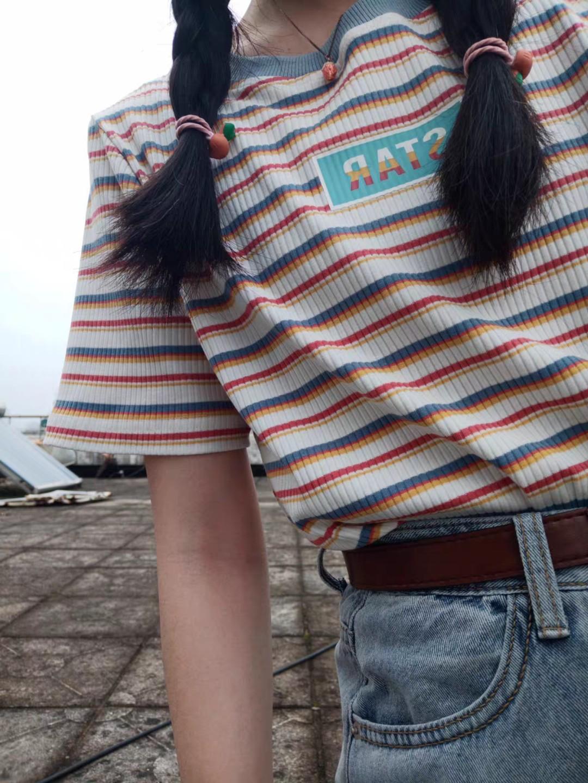 """""""带来好运的彩虹条纹t恤  泫雅风继续刮的针织T"""" 大小刚刚好 长度也合适 配色特别好看  搭在外套里面也很好看很时尚 这个夏天必须拥有的条纹T #2020必入春夏单品#"""