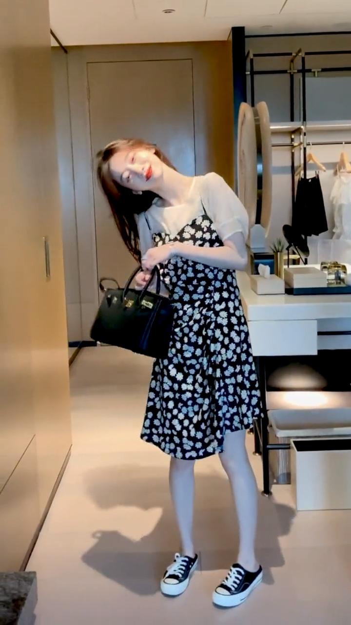 夏天赶紧来吧🙊我忍不住想穿各种好看的小裙子了! #校园汉服PK赛#