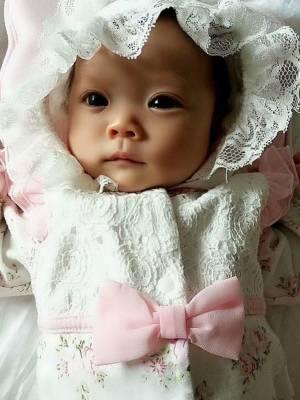 咱家闺女最近肠绞痛闹情绪所以直播时间比较少哦宝宝们😊 #小静baby哒的颜值天团#