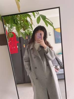 长度喜欢,袖子是宽松版,颜色很正 #小甜心_呢粉丝晒单#