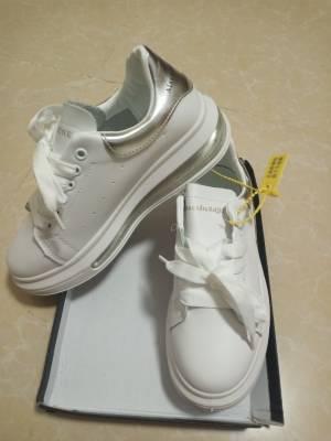 鞋子收到了!太爱了,质量超级棒!全真皮穿上又舒服又好看!价钱太超值了!一直在你家买鞋每一双都是杠杠滴! #大杉杉ss粉丝晒单#