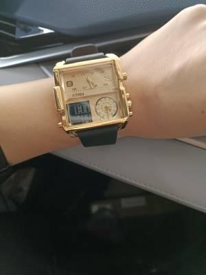 这么帅气的手表 我侄女居然说 戴上它 电子秤有了 水电表也有了 还有一个老钟表 功能挺多😂 #小琪琪512粉丝晒单#