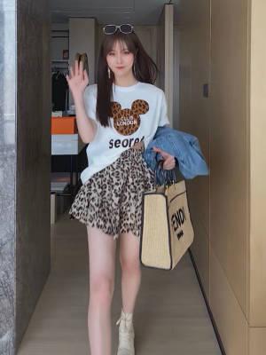 【米粒儿168_】质米奇卡通T恤上衣遮跨显瘦豹纹半身裙两件套 #百元搭一套#