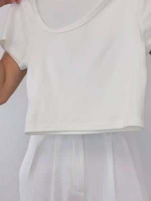 简约的t恤也能穿得很时尚 #我的神仙穿搭单品#