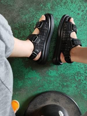 鞋子收到就穿了,很好 #小甜心_呢粉絲曬單#