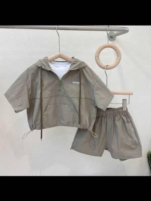 在包子家买衣服很少踩雷 衣服质量是可以的 我买大了一码 明年可以穿 #多多包涵的包涵粉丝晒单#