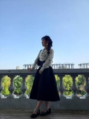 裙子很显腰身,面料很舒服,不容易皱,款式也很好看,显得人比例好,也能遮住胯和腿,很适合腰细腿粗的人 #玉琪Yuki粉丝晒单#