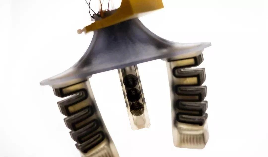 突破!机器人中传感器都能3D打印了!